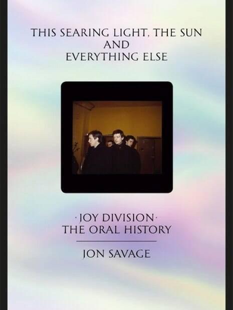 Capa da nova biografia de Joy Division