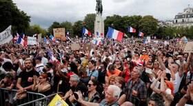 Protesto contra medidas de controle tem confronto em Paris