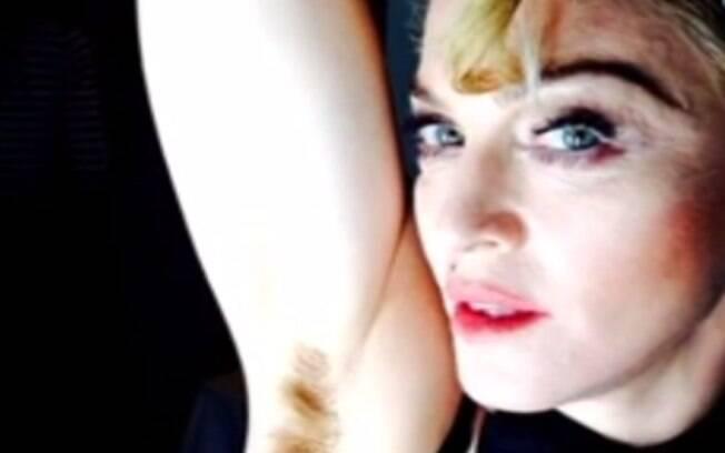 Madonna aparece com as axilas cheias de pelos em foto do Instagram