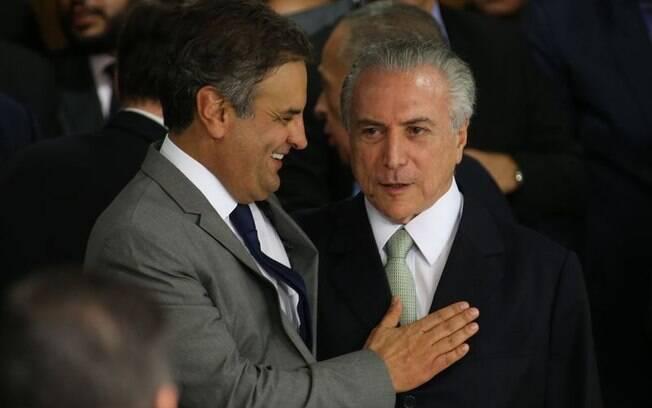 Aécio sinalizou que o PSDB pode deixar de lançar candidato à sucessão de Cunha em troca do apoio do governo de Temer para comandar a Casa nos próximos dois anos