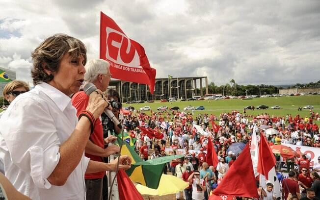Em Brasília, CUT e Centrais Sindicais manifestam no gramado do Congresso<br /><br /> . Foto: Lucio Bernardo Jr./ Câmara dos Deputados/Fotos Públicas