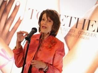 Evelyn Lauder: ela criou o laço rosa, que se tornou símbolo da luta contra a doença