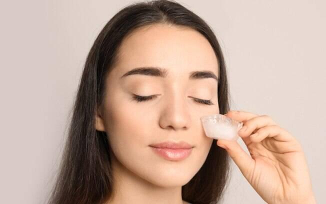 Skin icing: gelo como truque de beleza gera burburinho na web