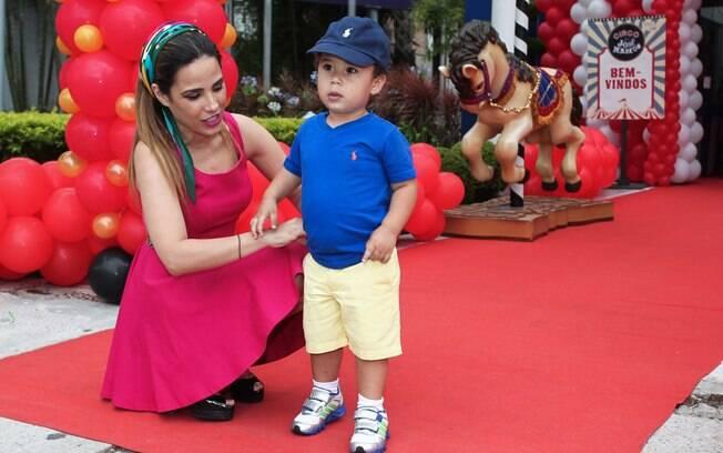 Grávida, Wanessa comemora aniversário de dois anos do filho