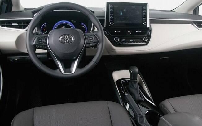 O interior da nova geração do Toyota Corolla deu um verdadeiro salto de qualidade