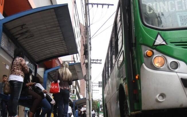 Linhas de ônibus ganham reforço com reabertura do comércio em Campinas
