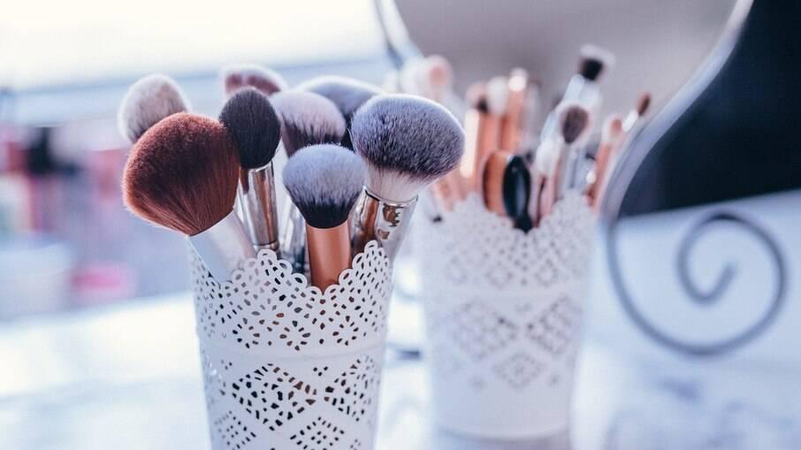 Saiba porque você não deve guardar sua maquiagem no banheiro