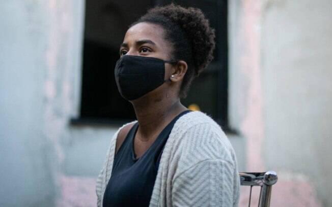 Thaynná, de 24 anos, perdeu a mãe, Rosiléa Maria Cordeiro, de 44, vítima de Covid-19