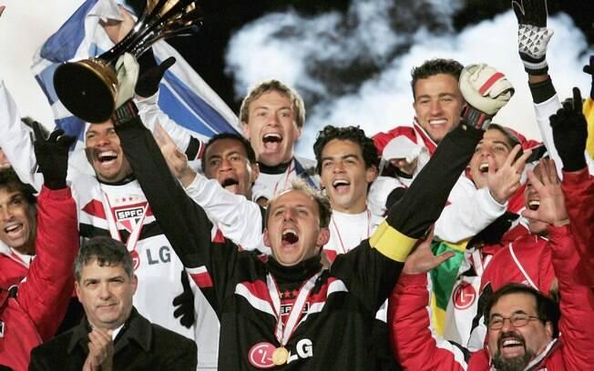 Rogério Ceni foi o capitão no título do  Mundial de Clubes de 2005