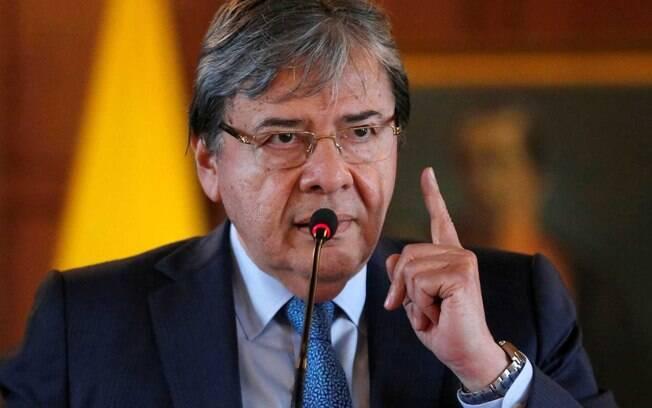 Carlos Holmes Trujillo, chanceler colombiano, leu comunicado do governo que não reconhece legitimidade de Maduro