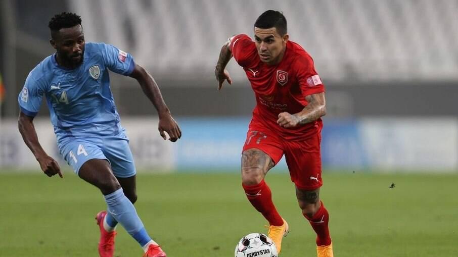 Dudu entra na mira de time de Mano Menezes