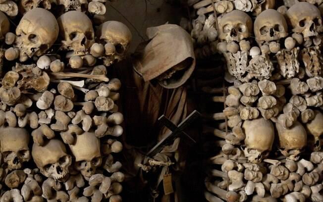 Interior da Cripta dos Capuchinhos é decorado com ossos de quatro mil monges