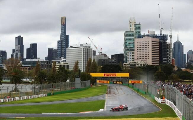 Felipe Massa faz volta com a pista molhada no  treino classificatório do GP da Austrália