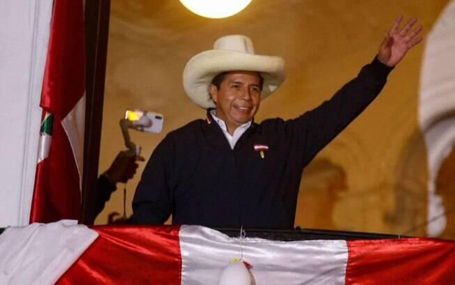 Termina contagem no Peru: Castillo tem vantagem de 0,25 ponto percentual