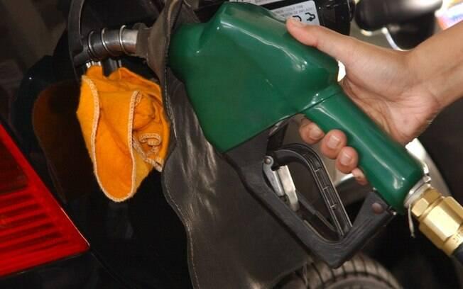 Gasolina teve o maior aumento de imposto, passando de R$ 0,38 para R$ 0,79 por litro voltado para o PIS/Cofins