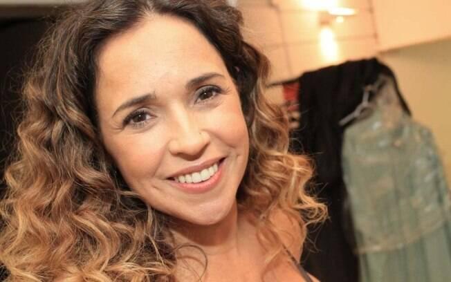 Daniela Mercury planeja adotar mais uma criança