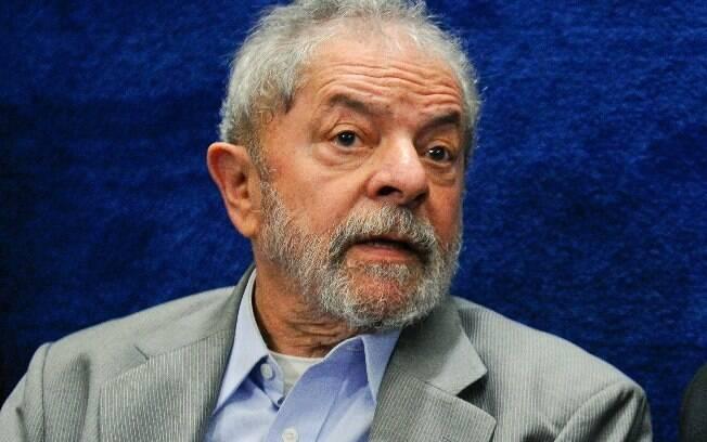E-mails sobre terreno para o Instituto Lula