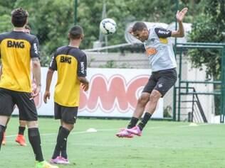 Leonardo Silva pode ser opção do Atlético no duelo com o xará paranaense, no domingo