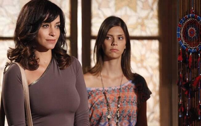 E na pele de Joana, suposta irmã gêmea da morta Marcela Coutinho
