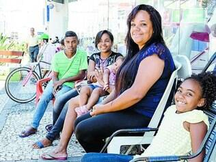 Primeira.  Luciana Santos está desde domingo esperando a liquidação do Magazine Luiza, em Franca