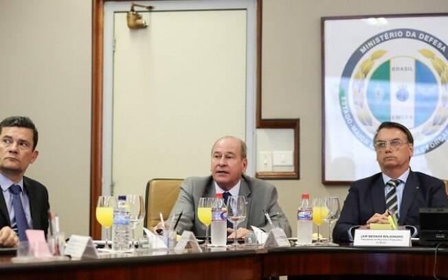 Bolsonaro teve reunião com ministros para discutir operação de GLO no Ceará