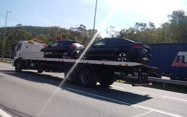 VW Polo e Virtus GTS sendo transportados sem nenhum disfarce antes da estreia, que deverá ser no início de julho