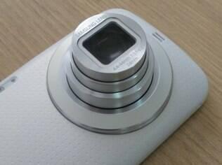 Câmera é grande destaqu do Galaxy K Zoom