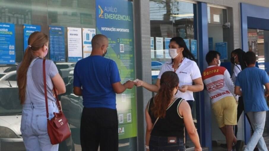 Caixa fecha primeiro semestre do ano com lucro recorde de R$ 10,8 bilhões