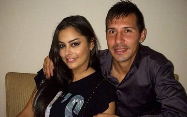 Jonathan Fabbro e Larissa Riquelme estão juntos há seis anos. Jogador foi condenado por abuso sexual