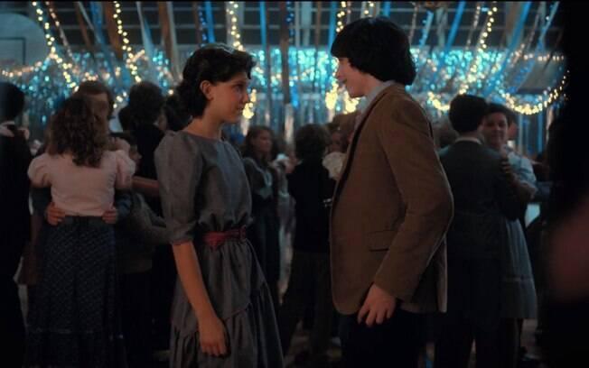 A música Every Breath You Take do The Police , foi tocada a cena do baile da segunda temporada de