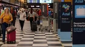 Brasil restringe entrada de estrangeiros no país