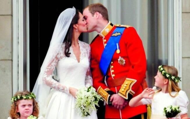 Festão. Duque e duquesa de Cambridge, William e Kate durante o casamento real