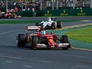 Fernando Alonso espera a evolução da Ferrari nesta temporada