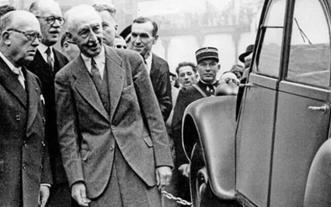 No centro, em evidência,  o engenheiro francês Pierre Jules Boulanger, que iniciou o projeto em meados da década de 40