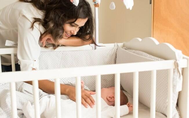 Entender as necessidades dos pais, da criança e fazer adaptações é um caminho para saber como fazer o bebê dormir