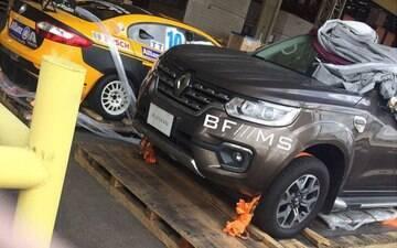 Renault Alaskan: picape média já aparece sem disfarces no Brasil