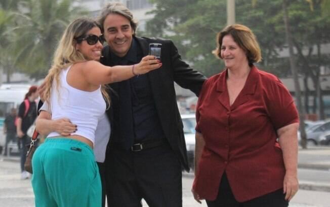 Alexandre Borges foi abordado por fãs durante gravações de
