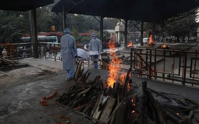 Índia pode ter perdido 10 vezes mais vidas para a Covid-19 do que o divulgado, diz estudo