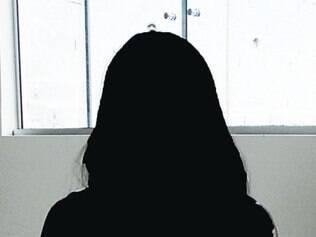 Ex-funcionária diz que foi ameaçada por Carlão
