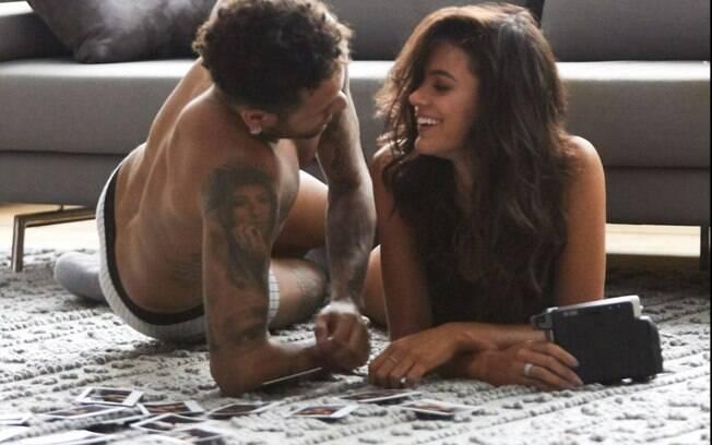 Neymar usou as redes sociais para defender Bruna Marquezine