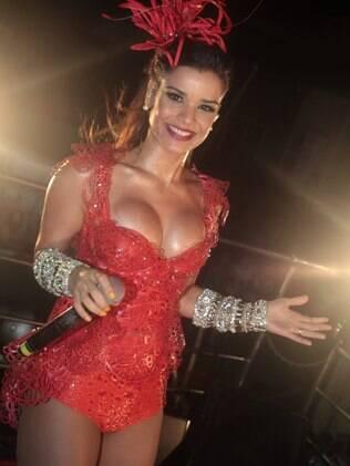 Mari Antunes usou figurino ousado no terceiro dia de carnaval