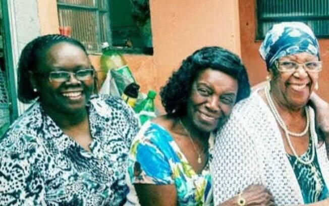 As três mulheres foram encontradas com marcas de espancamento.