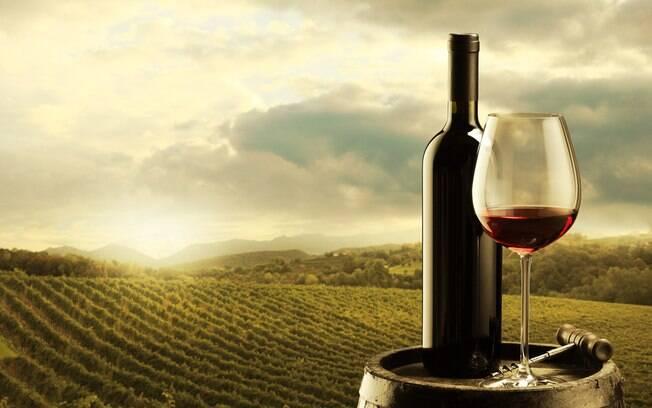 O Brasil tem uma grande produção dessa popular bebida e os vinhos da Serra Gaúcha costumam agradar os turistas