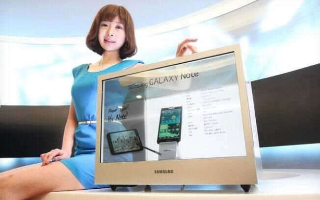 Novo produto da Samsung para varejo vem com tela transparente para exibição de vídeos e animações