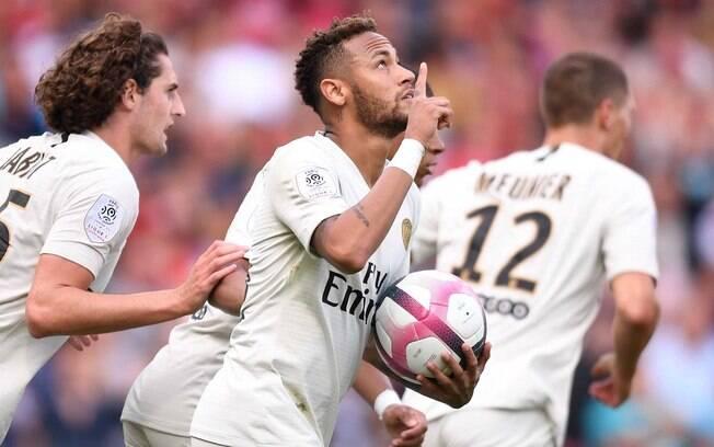 Neymar comemora o seu segundo gol na temporada logo na segunda rodada do Campeonato Francês
