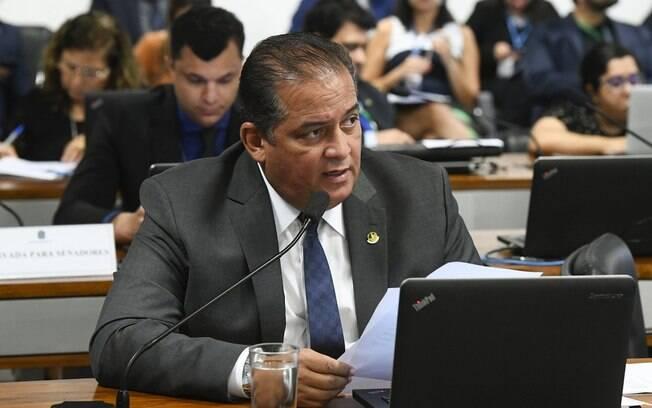Eduardo Gomes (MDB-TO) líder do governo no Congresso, diz que não haverá aumento na carga de impostos, mas uma substituição