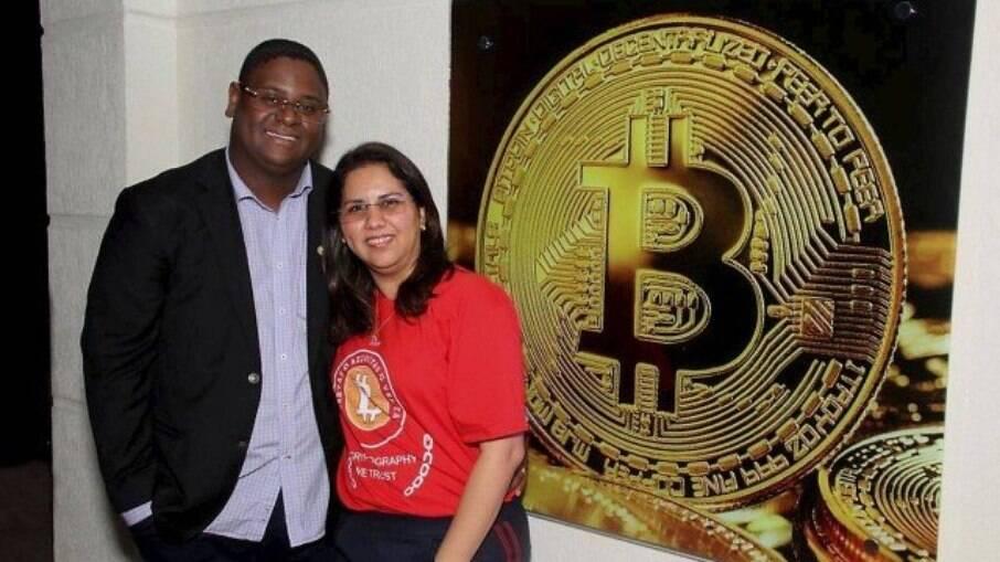Esposa de 'Faraó do Bitcoin' é acusada de aplicar golpes na Venezuela