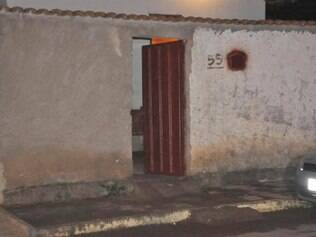 Bandidos armados invadiram a casa do idoso no bairro Floresta