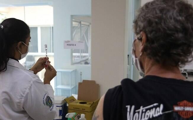 Campinas tem novo recorde de vacinados e ultrapassa 600 mil doses aplicadas