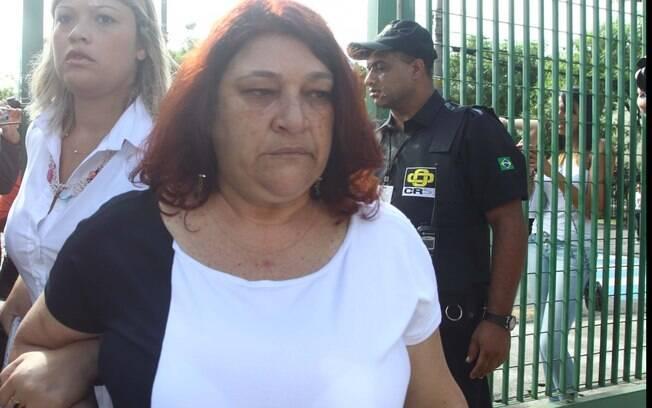 Mãe de Mércia Nakashima chega ao julgamento do advogado e policial militar reformado, Mizael Bispo, no Fórum Criminal de Guarulho